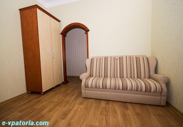 Снять квартиру в центре Евпатории на 3-4 человека