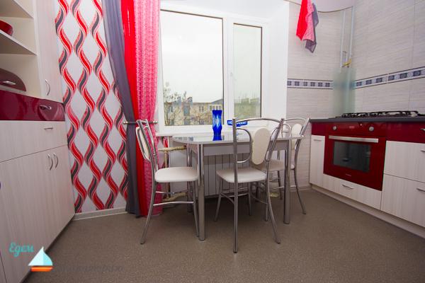 Двухкомнатная квартира с евроремонтом снять в Евпатории на лето