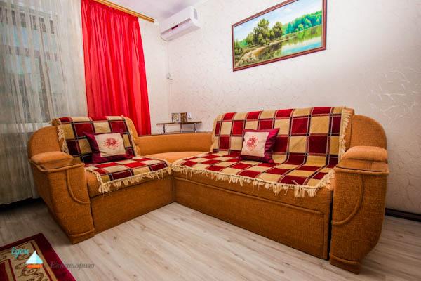 Современная элегантная двухкомнатная квартира